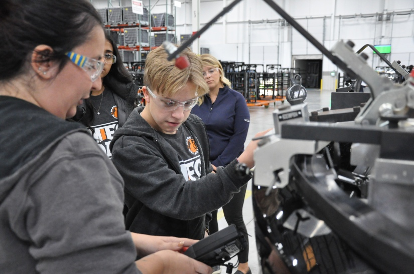 L'Anse Creuse-Pankow receives $1,000 from 2018 MFG Day video contest